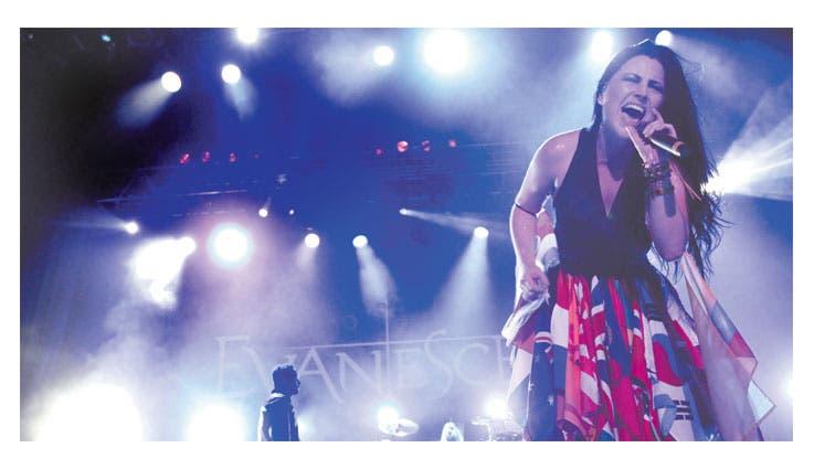 Evanescence regaló fiesta de rock
