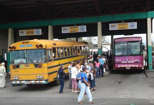 Rechaza Aresep alza en tarifas de bus