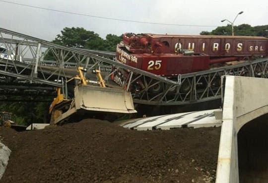 Suspenden clases por caída de puente