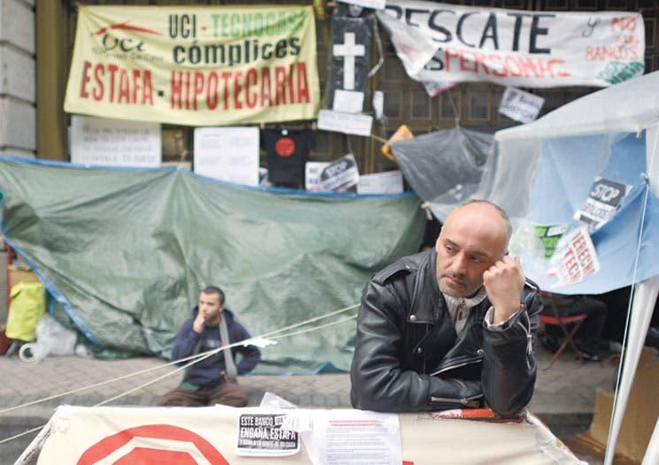Entra España en crisis por desahucios