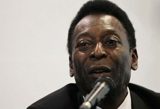 Hospitalizan a Pelé