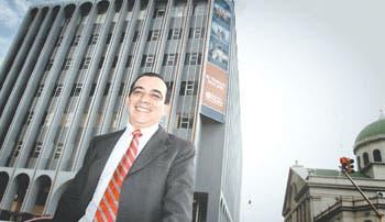 Premian a Gerardo Porras
