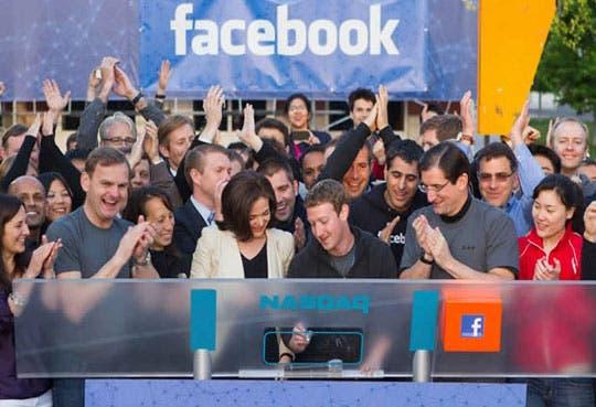 Sube Facebook un 8%
