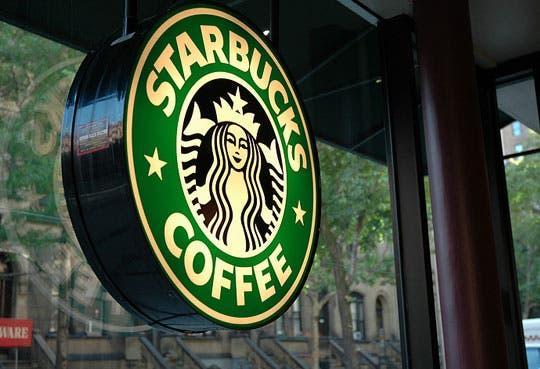 Anuncia Starbucks la compra de Teavana