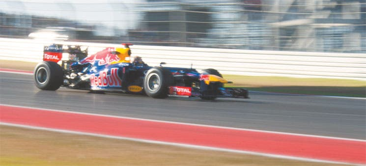 Vettel pone el ritmo