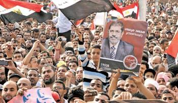 Disturbios en Egipto por decisión de Mursi
