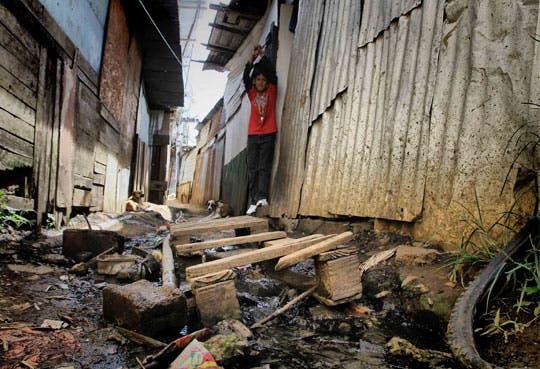 Pobreza en América Latina bajó en 8 millones