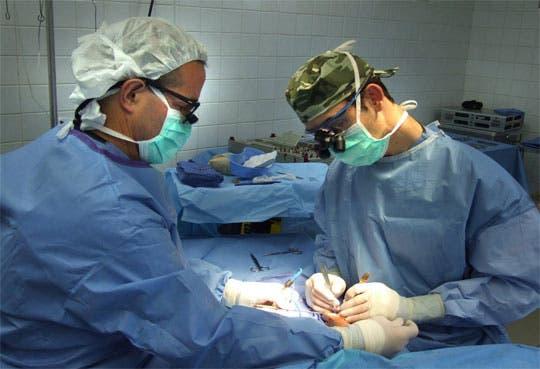 Controlarán entrada y salida de médicos