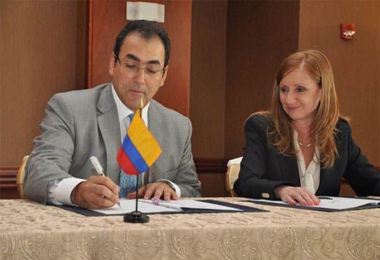 Finaliza negociación  de TLC con Colombia
