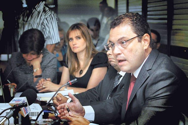 """Niega Benavides """"secretismo"""" por Trocha"""