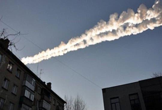 Caen impresionantes meteoritos en Rusia