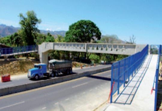 Inspeccionan nuevo puente peatonal en ruta 27
