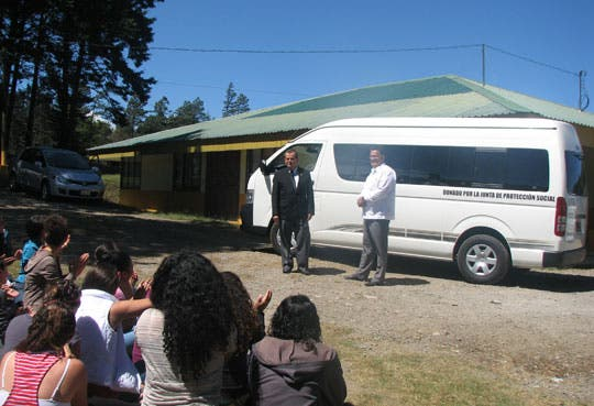 201302151528541.microbus.jpg