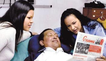 Chávez reaparece en fotografías dos meses después