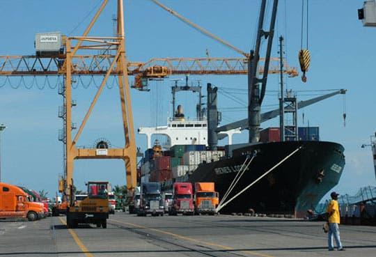 201302181058021.puerto-moin.jpg