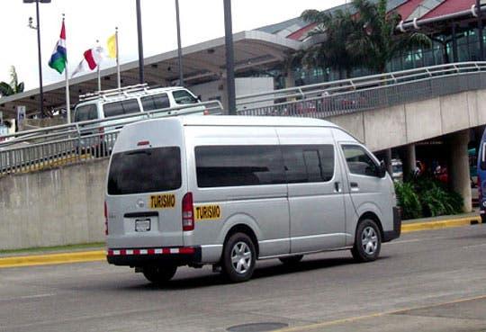 Exporteadores acuerdan procesos para formalizar microbuses