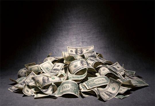 201302271653291.dolares-piso.jpg