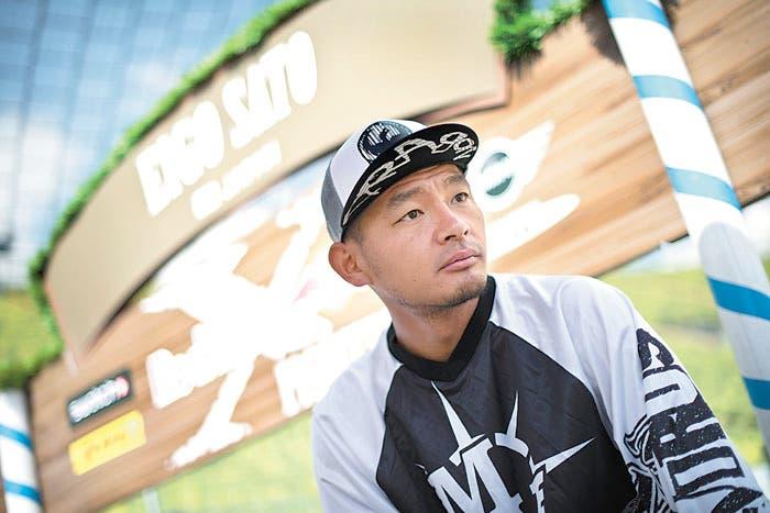 Muere piloto de 'freestyle', Eigo Sato