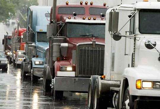 Camioneros panameños rechazan paro de colegas ticos