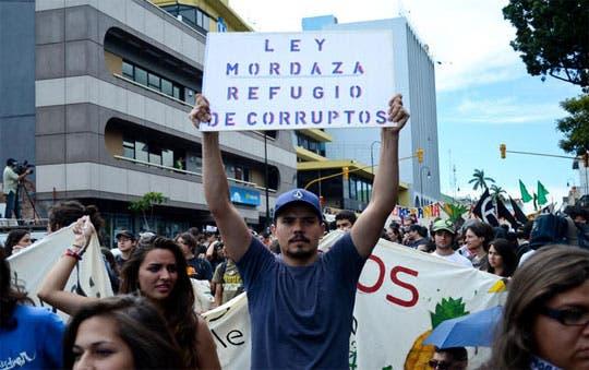 """Reforma en """"ley mordaza"""" fue aprobada por comisión"""