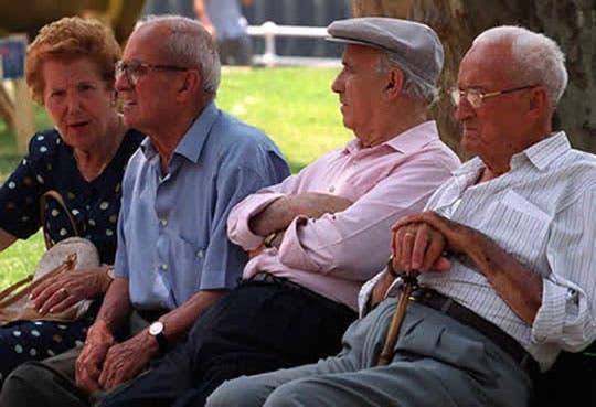 Personas mayores de 65 años se triplicará en 2050
