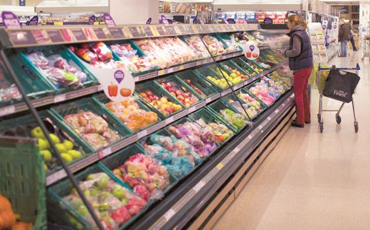 Denuncian falta de productos en góndolas de Wal-Mart