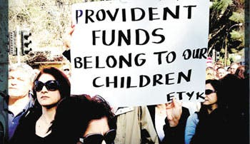 Turcos de Chipre comparten dolor tras crisis