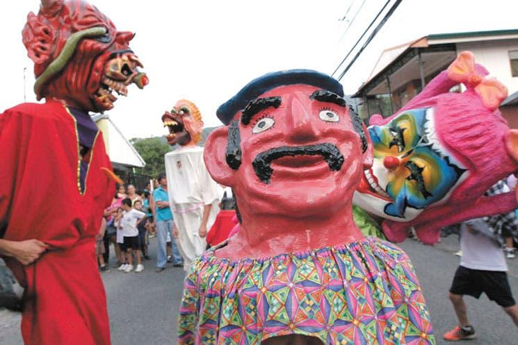 Mascaradas y cimarronas: al rescate de las tradiciones