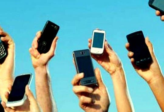 201304171408351.celulares.jpg