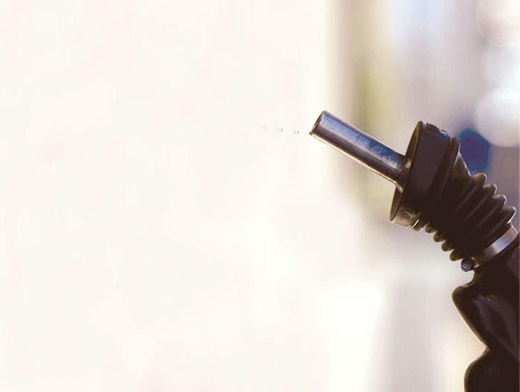 Gastos y producción afectan a grandes petroleras