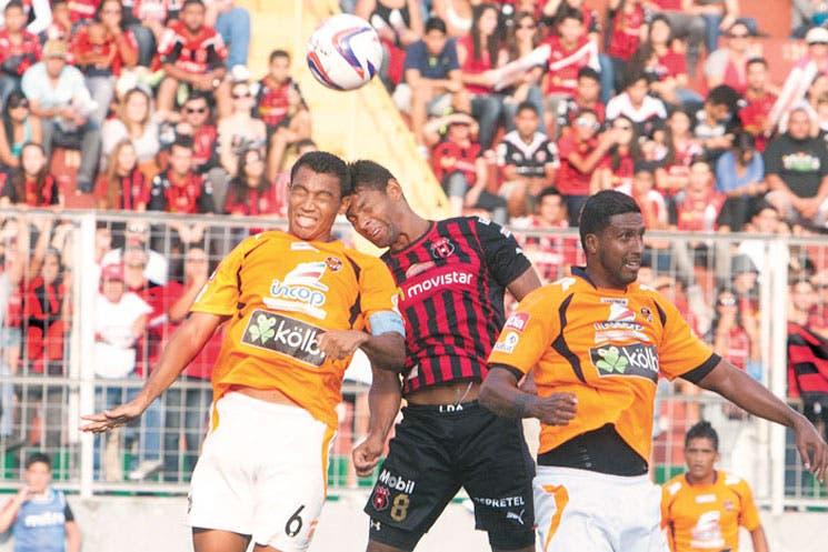 Alajuelense marcó la cancha