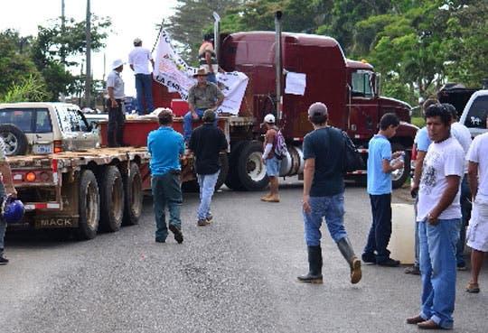 Bloqueos en ruta nacional de Pital