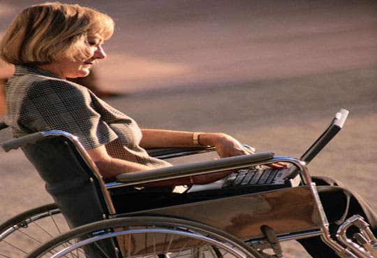 Personas discapacitadas se gradúan en CECI