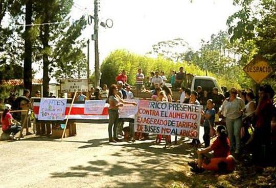 Bloqueos en Cartago y Desamparados