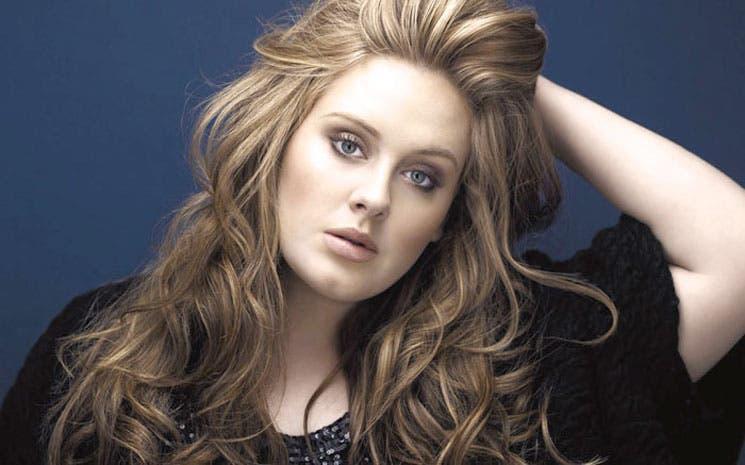 Adele cumple 25 a espera de tercer álbum