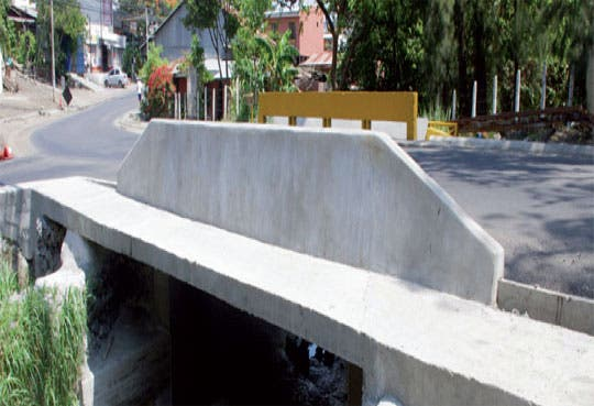 Amplían paso en carretera a Guachipelín