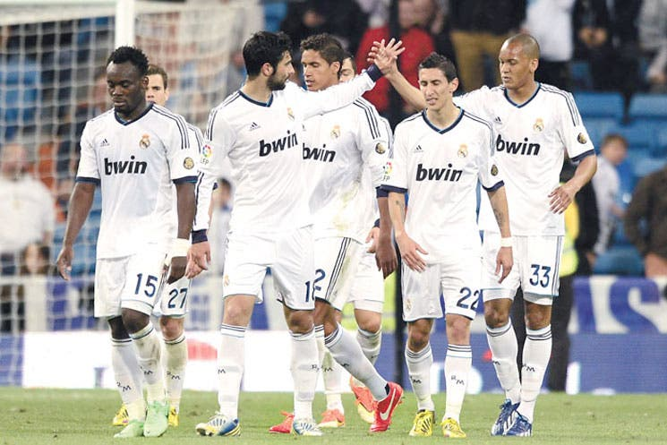 Madrid retrasa el alirón