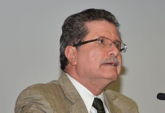 Sala IV anula separación de Fernando Cruz