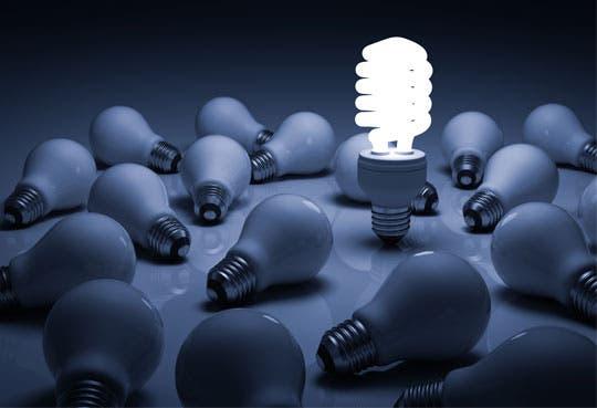 Electricidad disminuiría cambiando bombillos