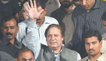 India procura acercarse a Pakistán tras gane de oposición