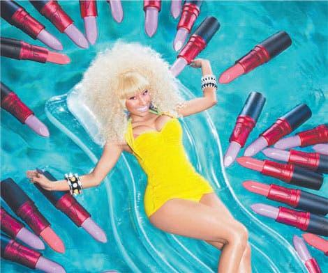 Nicki Minaj pone color a sus labios
