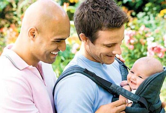 Portugal aprueba adopción limitada para homosexuales