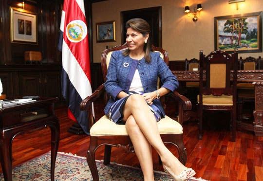 Chinchilla confirma asistencia a Asamblea de la OEA