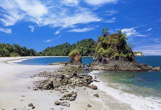 Playas ticas dentro de mejores en región