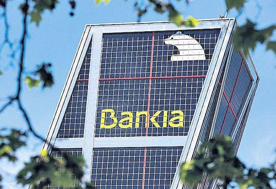 Banqueros españoles testifican por caso Bankia
