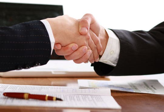 Acuerdo favorecerá a clientes del BCR