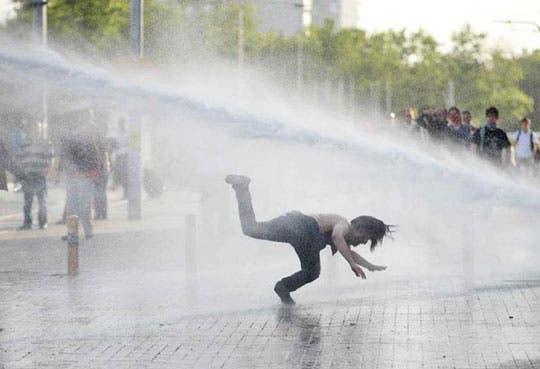 201306140808431.protestas-turquia.jpg