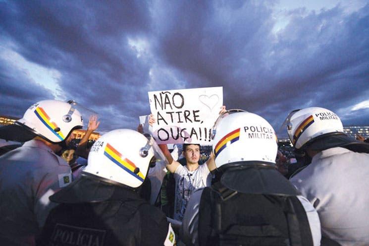 "Rousseff: ""La voz de la calle tiene que ser escuchada"