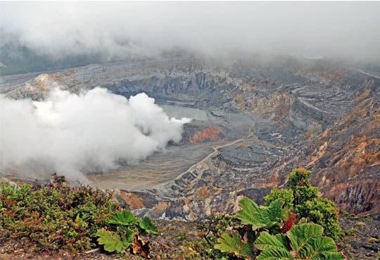 Volcanes aumentan actividad