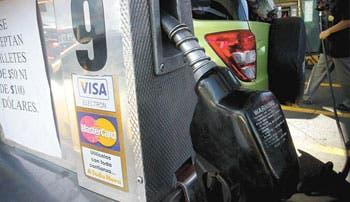 Gasolineros ganan... usted pierde